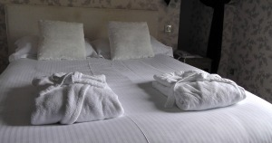 bed-1303450_1280